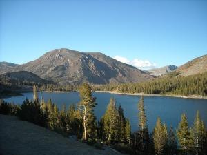 lake-340375_640